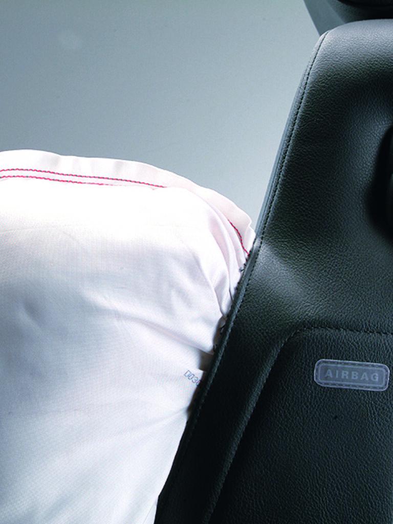 RECARO Ergomed ES Leder schwarz/Artista schwarz mit Universal-Seitenairbag 3
